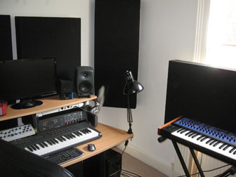 home-studio-acoustic-treatment-bf-125-bass-traps-acoustic-panels